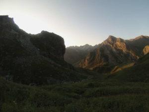 L'alba risalendo il Vallone di Rui